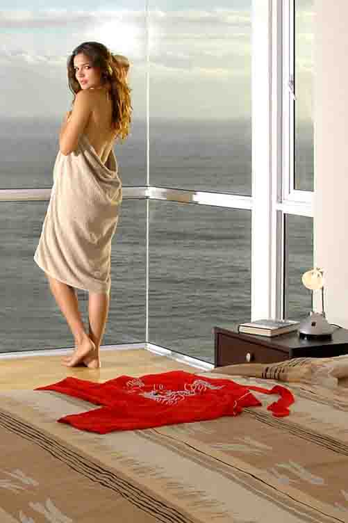 commercial-photography-with-Oxshott-model-and-sea-view.