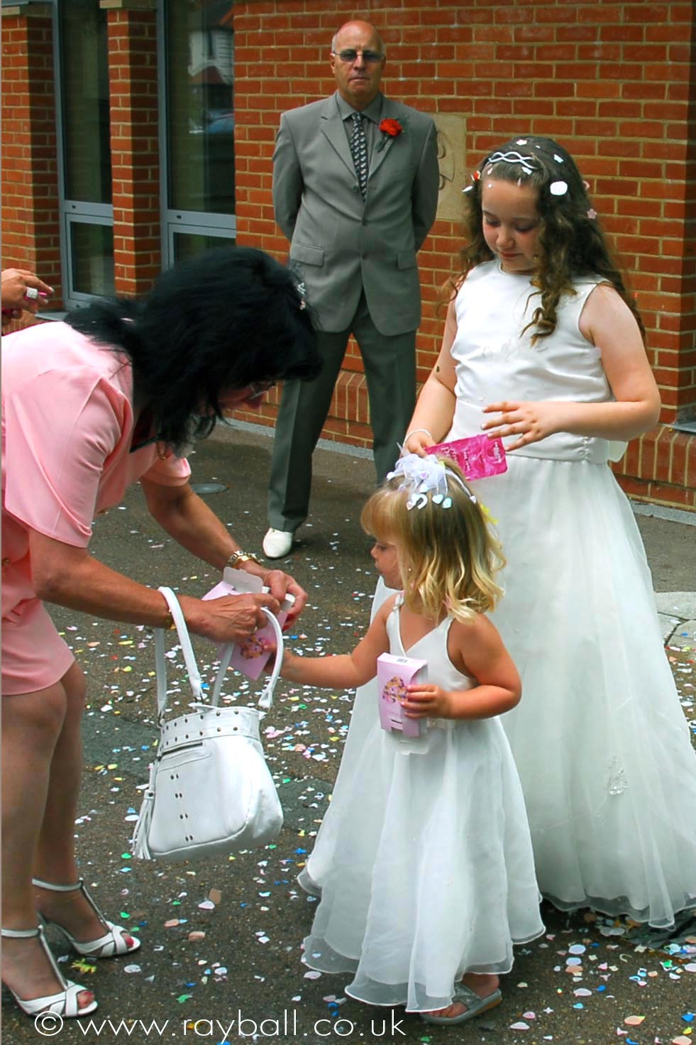Wedding moment caught in Long Ditton, Elmbridge.